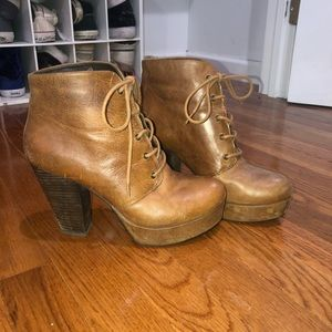 Steve Madden Brown Rustic Boots